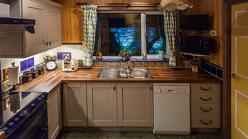 Ptarmigan fully equipped kitchen