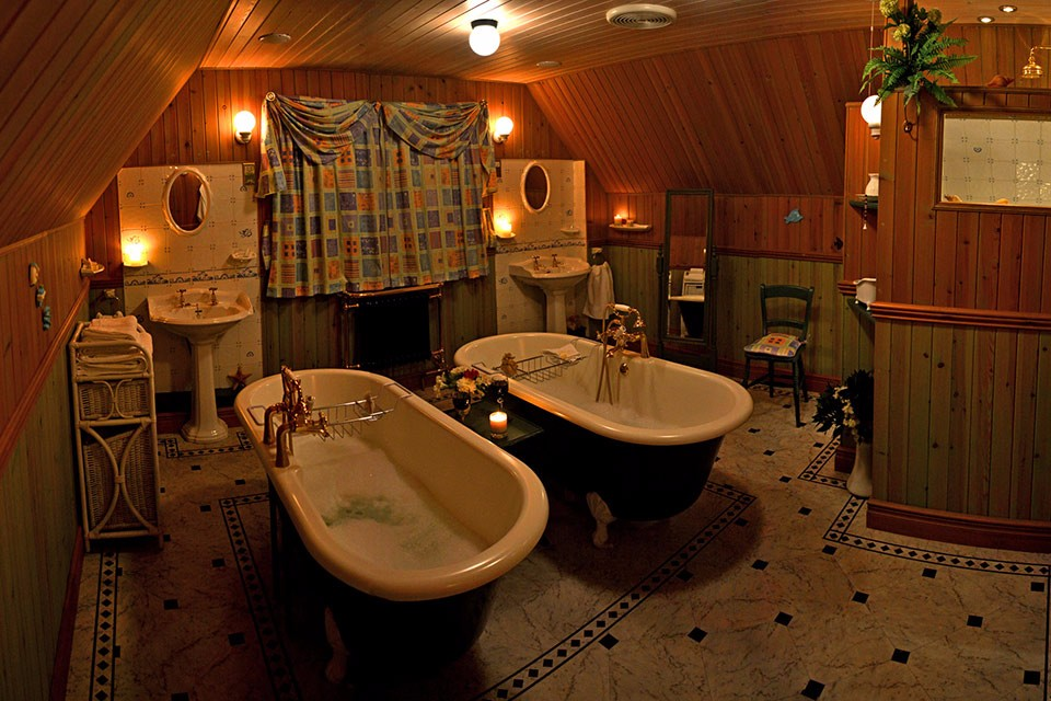 ptarmigan-self-catering-accommodation-broadford-skye-bathroom